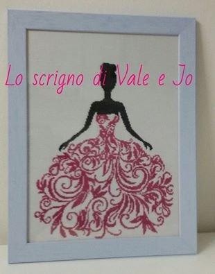 quadro dama con abito importante a punto croce regalo festa della mamma o ragazza ballerina