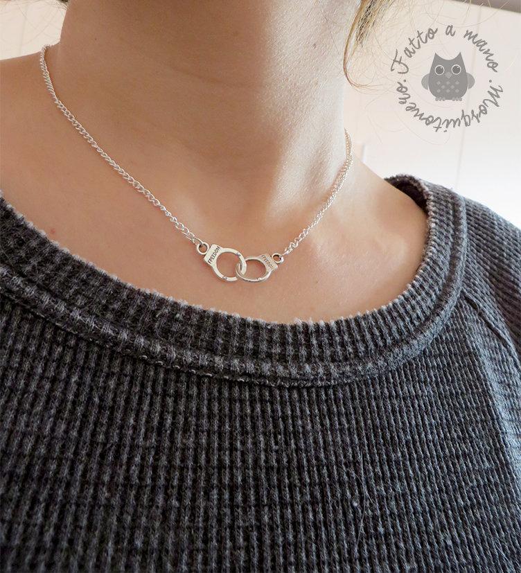 Collana manette incisione freedom da donna in metallo colore argento