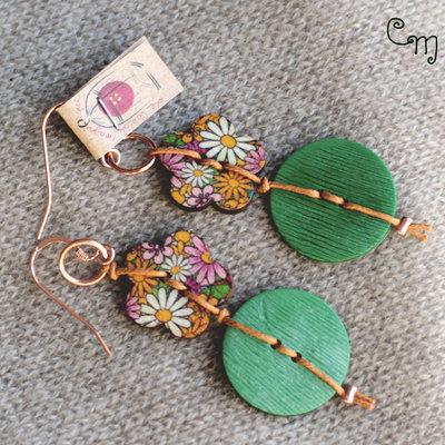 Orecchini boho chic con bottoni verdi vintage e floreali - O.5.2016