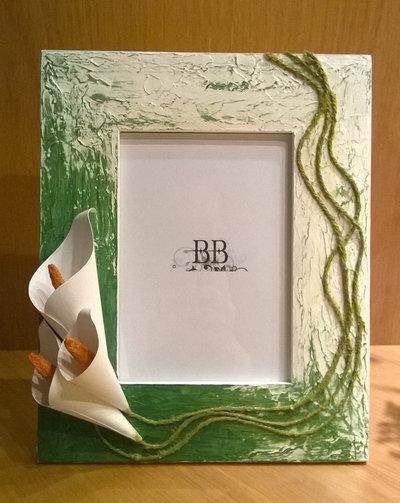 Cornice porta foto con calle di carta. Cornice porta foto da appoggiare. Porta foto 12x17. Idea regalo.