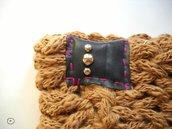 SPEDIZIONE GRATUITA - Scaldacollo Giallo Caramello in lana con borchie argentate tonde e inserto in plastica- MilleColli-Cuciture marsala