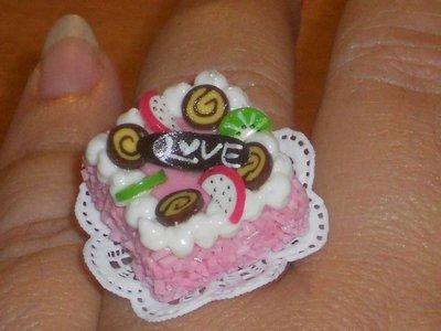 LoveCake Ring