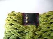 Scaldacollo MilleColli Verde in lana con borchie argentate tonde e inserto in plastica-Verde Pistacchio e marsala