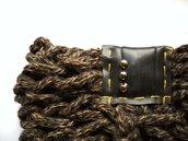 Scaldacollo MilleColli Marrone in lana con borchie argentate tonde e inserto in plastica- Marrone con cuciture senape