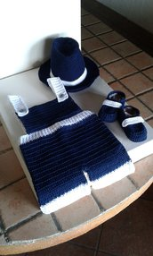 Completo salopette neonato  lavorata a mano