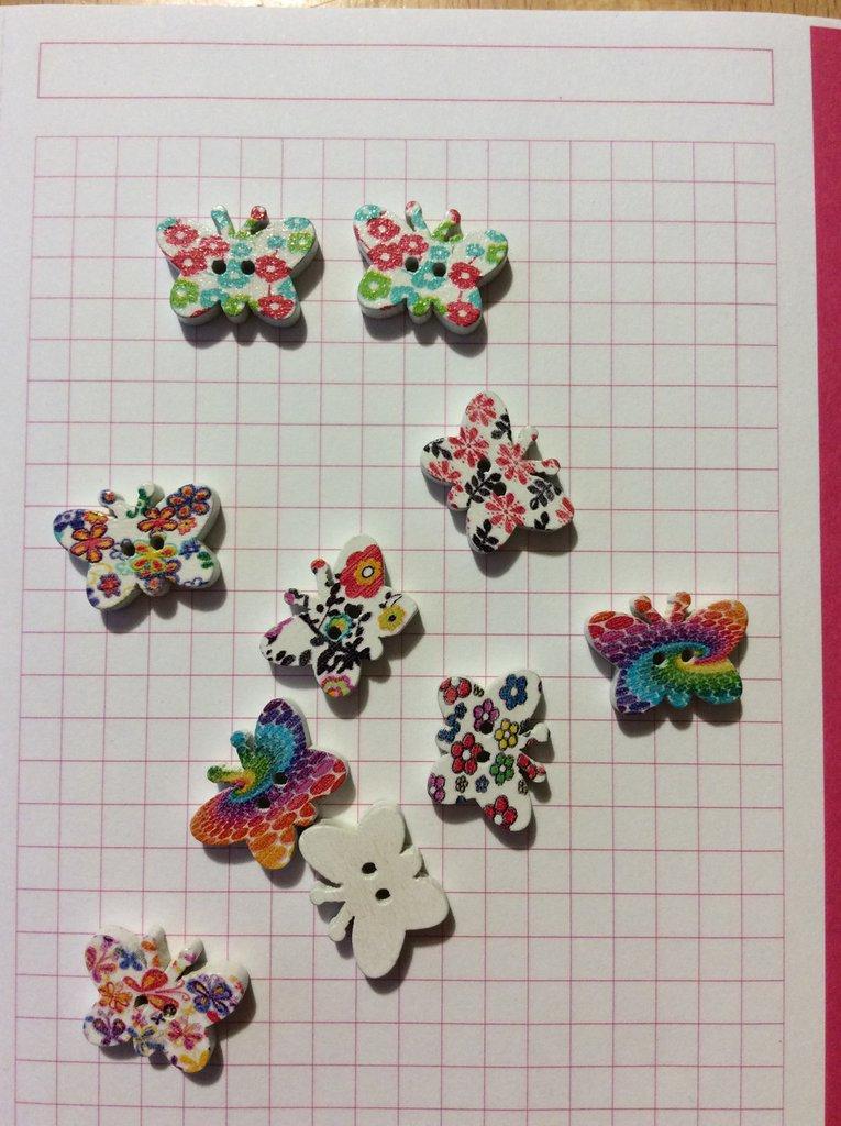 10 bottoni legno farfalla tipo 1