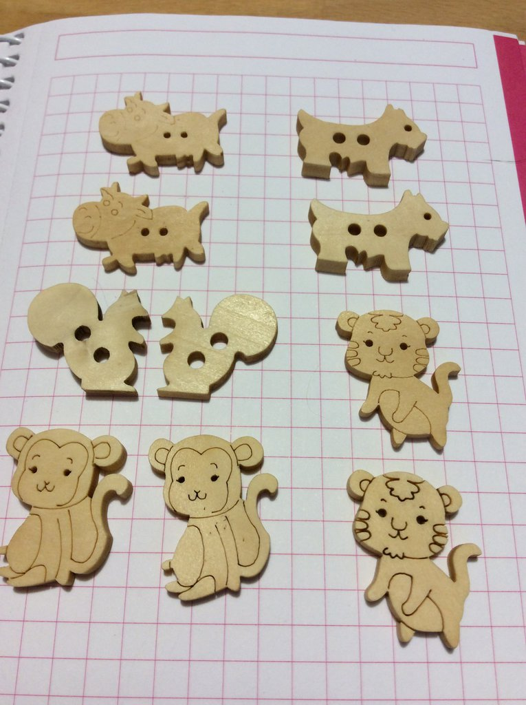 10 bottoni legno animali