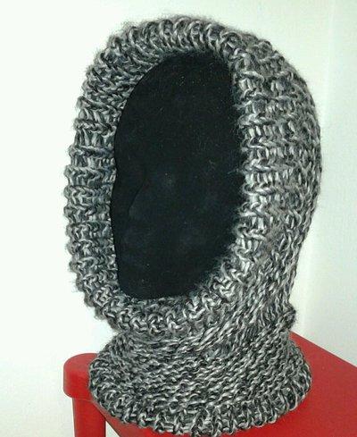 Cappello scaldacollo berretta multiuso fatto a mano con lana grigia nera unisex
