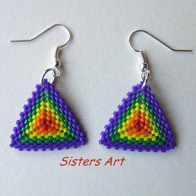 """Orecchini """"Triangolo colors"""" realizzati con perline Miyuki delica"""