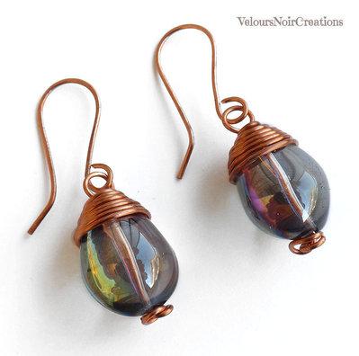 Orecchini wire wrapped in rame e goccia vetro cangiante