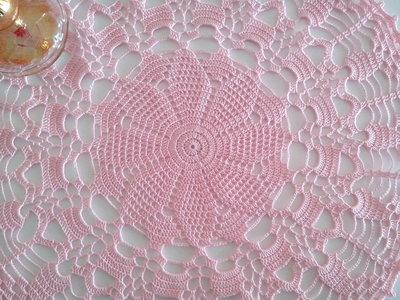 Centrino a uncinetto rosa , grande centrotavola, pizzo, arredamento casa, 36 cm