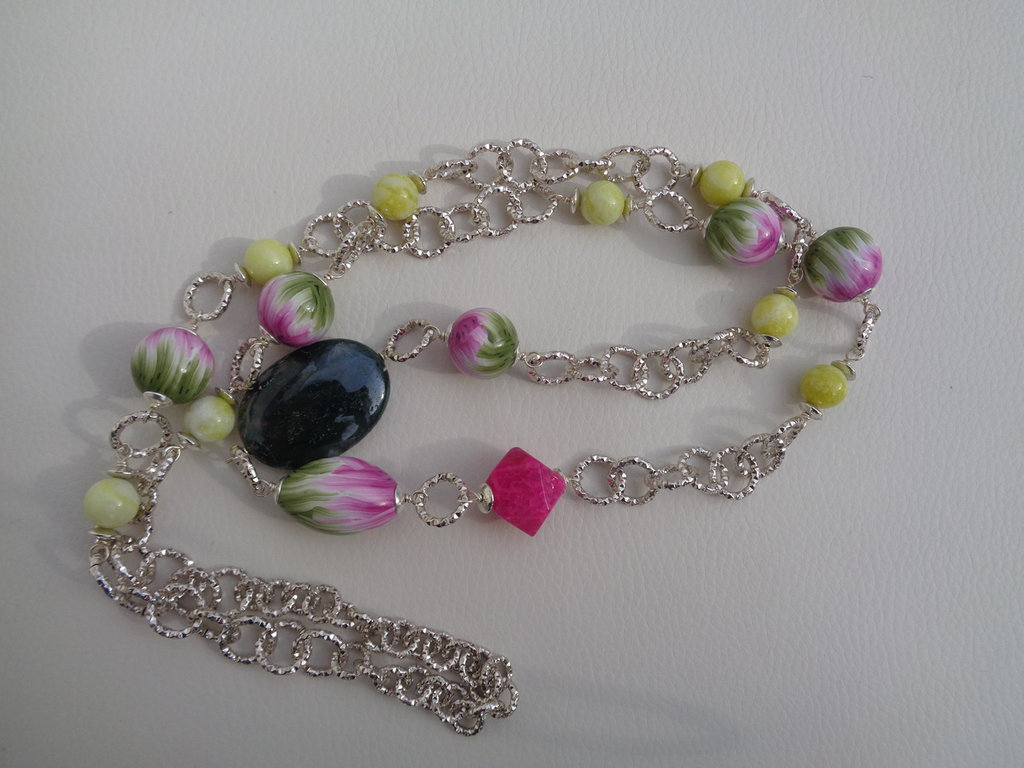 Collana lunga con perle in pasta polimerica rosa-verde