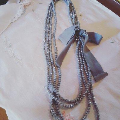 collana con fiocco