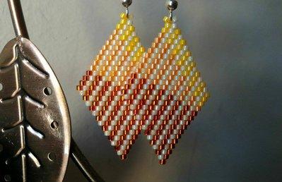 Red Cream Pendant / Pendente rosso crema miyuki delica