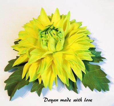 Spilla fiore Crisantemo giallo