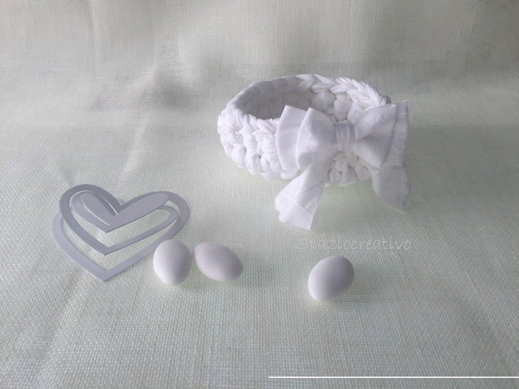 Ciotola in fettuccia di lycra bianca damascata con doppio fiocco