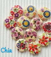 *OFFERTA* 15 bottoni legno fiorellini su fondo crema 15mm diametro