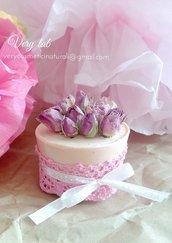 Bouquet di sapone con rose in decorazione