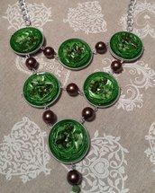 Collana cialde caffè riciclate verdi e perle marroni