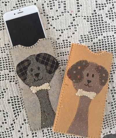 porta cellulare in feltro con cane