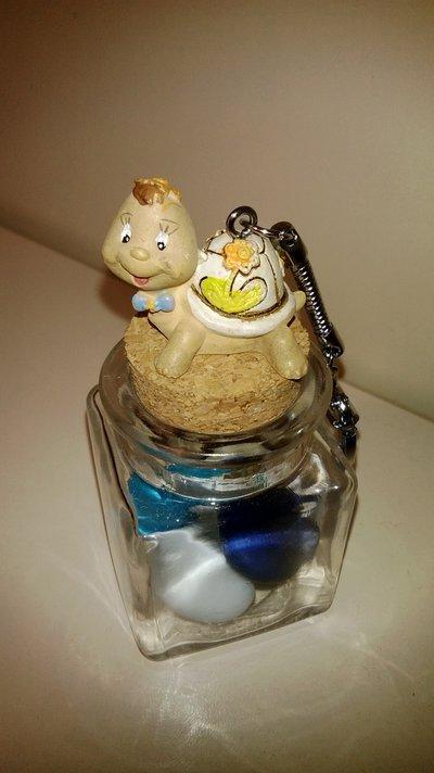 bomboniera segnaposto targaruga portachiavi su vasetto vetro con confetti bimbo