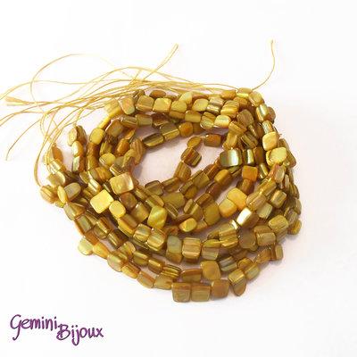 Fila 40 cm. pietre di madreperla gialla