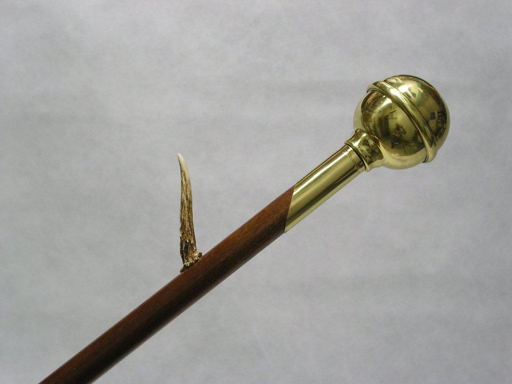 28 - Bastone da passeggio con corno