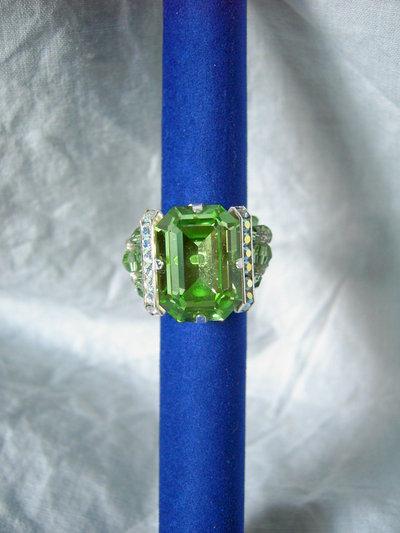 Anello cabochon verde/blu/nero