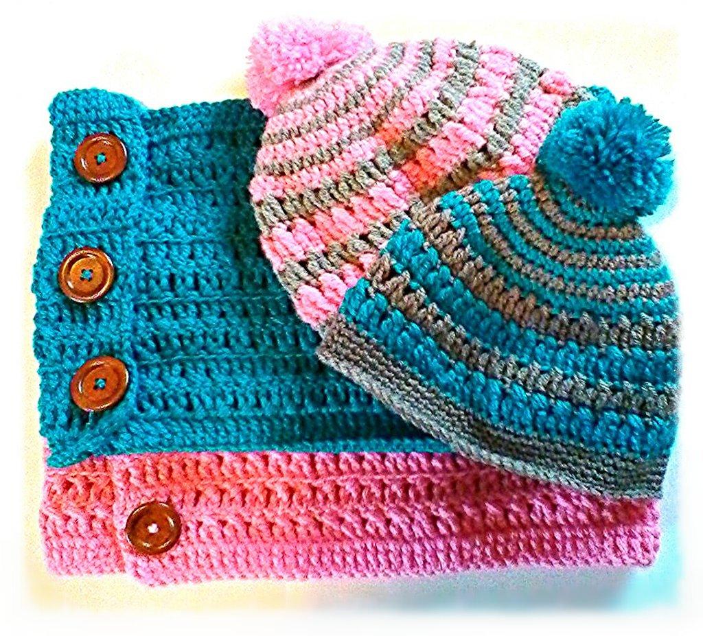 completo cappello berretta più  scaldacollo in lana, colori fashion,rosa abbinato al grigio e turchese al marrone  -Modello roby