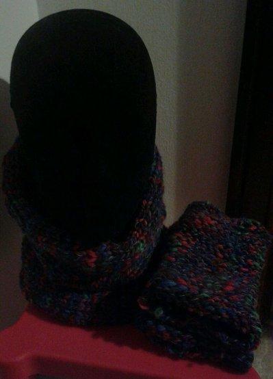 Set scaldacollo manicotti guanti senza dita fatti a mano lana colorata adulto
