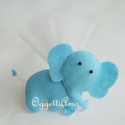 Elefante in feltro imbottito fatto a mano per bomboniere artigianali super-colorate: calamite come gadget per la vostra festa a tema zoo, jungla o circo