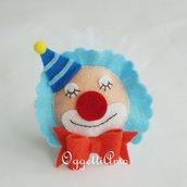 Un colorato pagliaccio di pannolenci per le vostre bomboniere: calamite originali per ricordare un giorno speciale