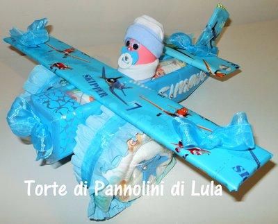 Torta di Pannolini Pampers Aereo- idea regalo, originale ed utile, per nascite, battesimi e com...