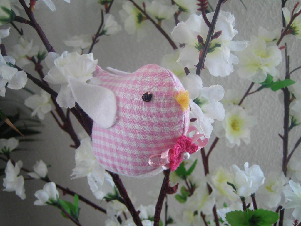 Uccellino primavera rosa