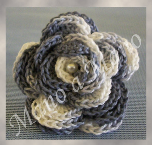 Anello fiorelloso - grigio bianco