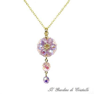 Collana dorata con pendente a fiore in mezzo cristallo lavanda AB e cipria fatta a mano - Aster