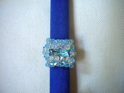 Anello cabochon azzurro chiaro