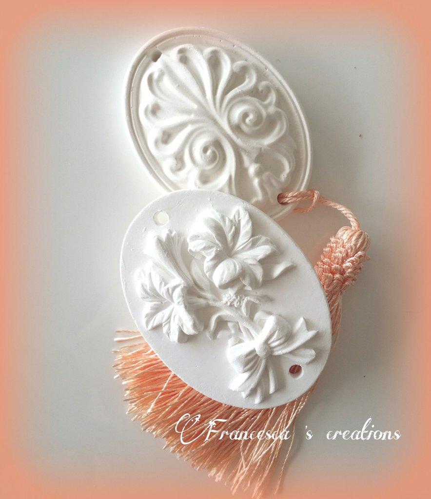 medaglioni in gesso ceramico