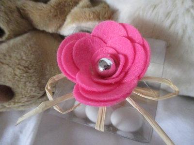 Scatola portaconfetti con rosa in feltro