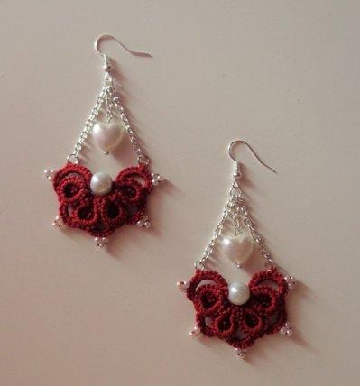 Orecchini ventaglietto color bordeaux, con perle e cuoricino, chiacchierino tecnica Ankars