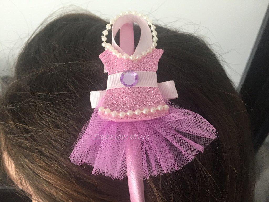 Cerchietto bambina in raso rosa  con applicato un tutù in tulle e gomma crepla glitterata