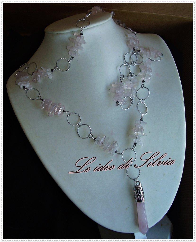 Collana lunga con quarzo rosa