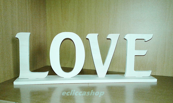 Scritta LOVE in legno per il fai da te 1 PZ