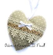 Cuore Shabby chic - idea regalo, stoffa pois beige, feltro, fiocco, natro Parigi,tour eiffel , merletto