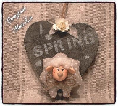 Cuore Primavera con pecorella in pasta di mais e stoffa