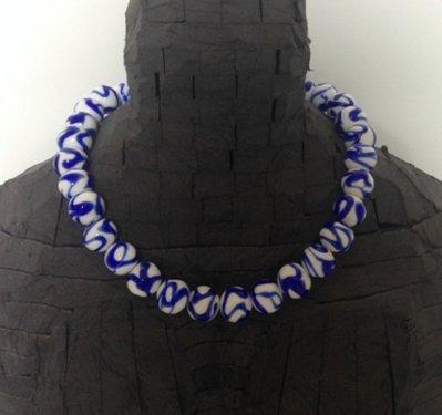 Girocollo bianco e blu