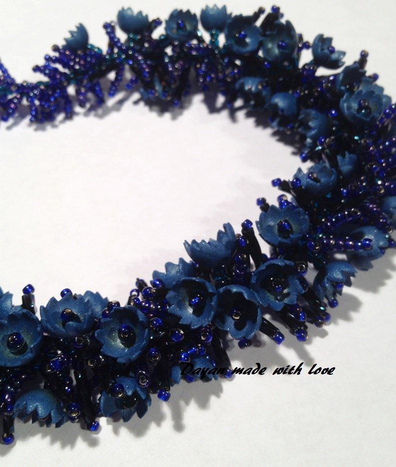 Collana Blu con fiorellini