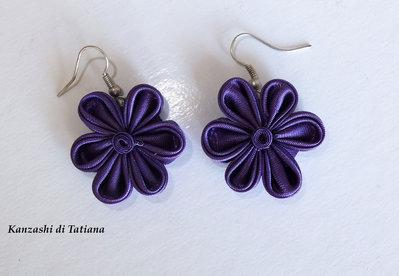 Orecchini kanzashi fatti a mano  colore viola