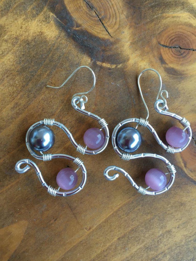 """Orecchini """"Simply romance"""" con perla blu e occhi di gatto rosa antico + OMAGGIO!"""