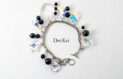 Bracciale con charms di cristalli Swarovski, bracciale portafortuna argentato con perle nere onice e cristally Swarovski, pezzo unico